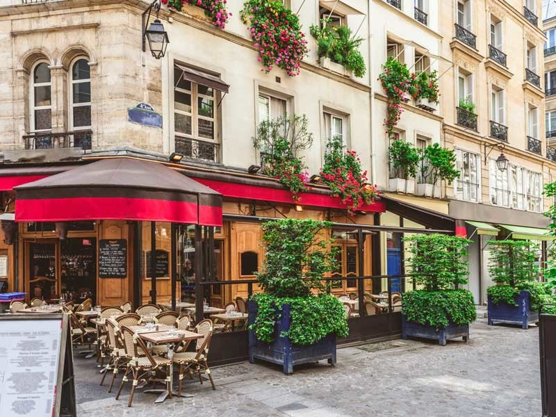 Europe Tour - Paris cafe